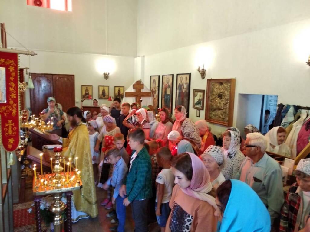 Председатель молодежного отдела совершил молебен на начало нового учебного года