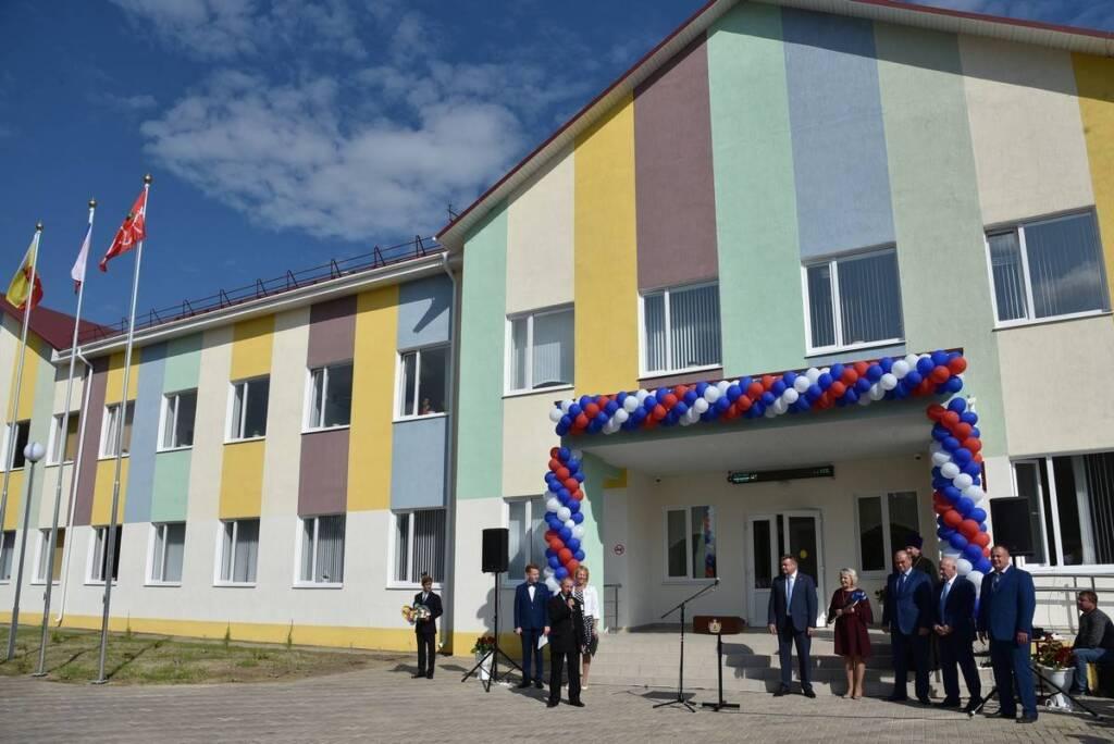 В селе Ерахтур Рязанской области открыли современную школу