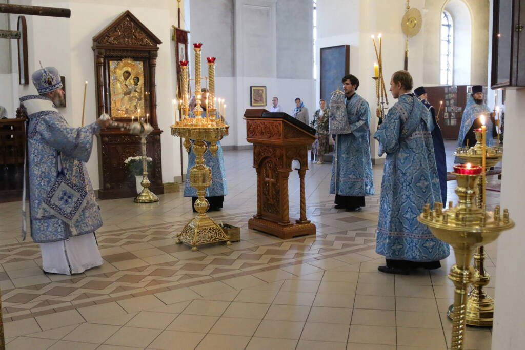 Всенощное бдение в канун Недели 11-й по Пятидесятнице в Вознесенском кафедральном соборе