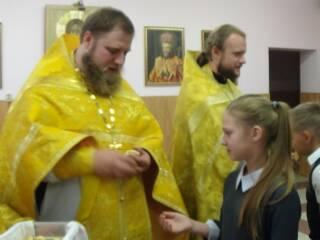 10.10.2019_Миссионерская Литургия в православной школе