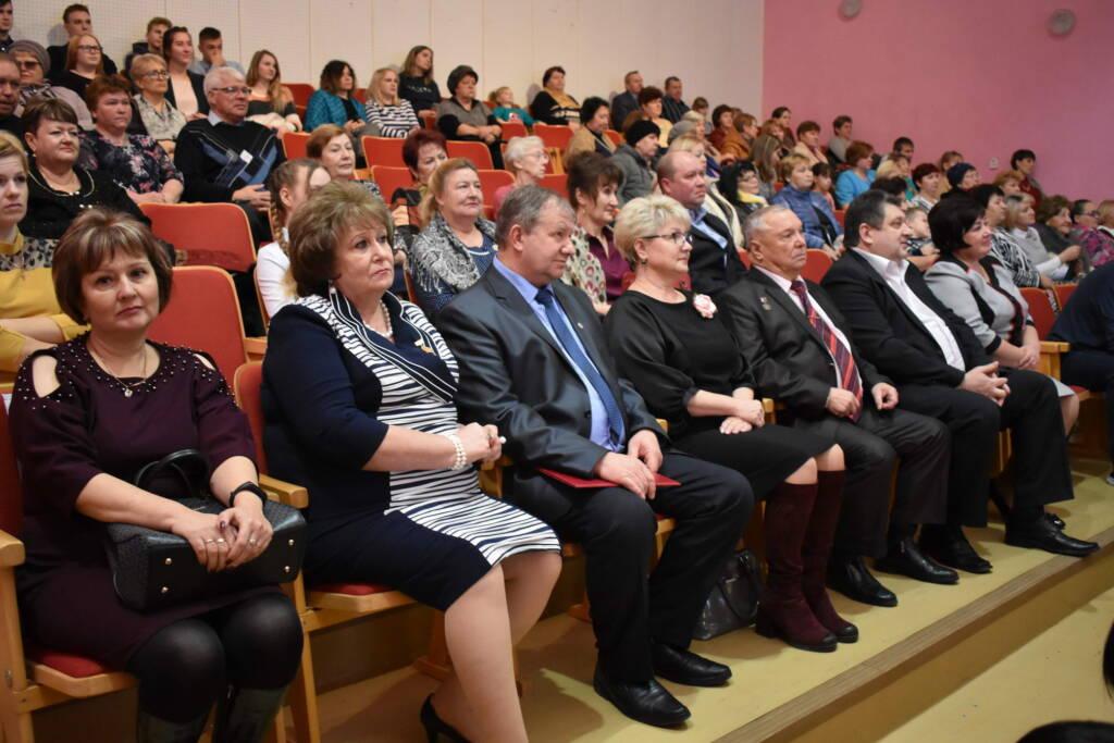 В поселке Крутоярский Касимовского района состоялось мероприятие, посвященное Дню Матери.