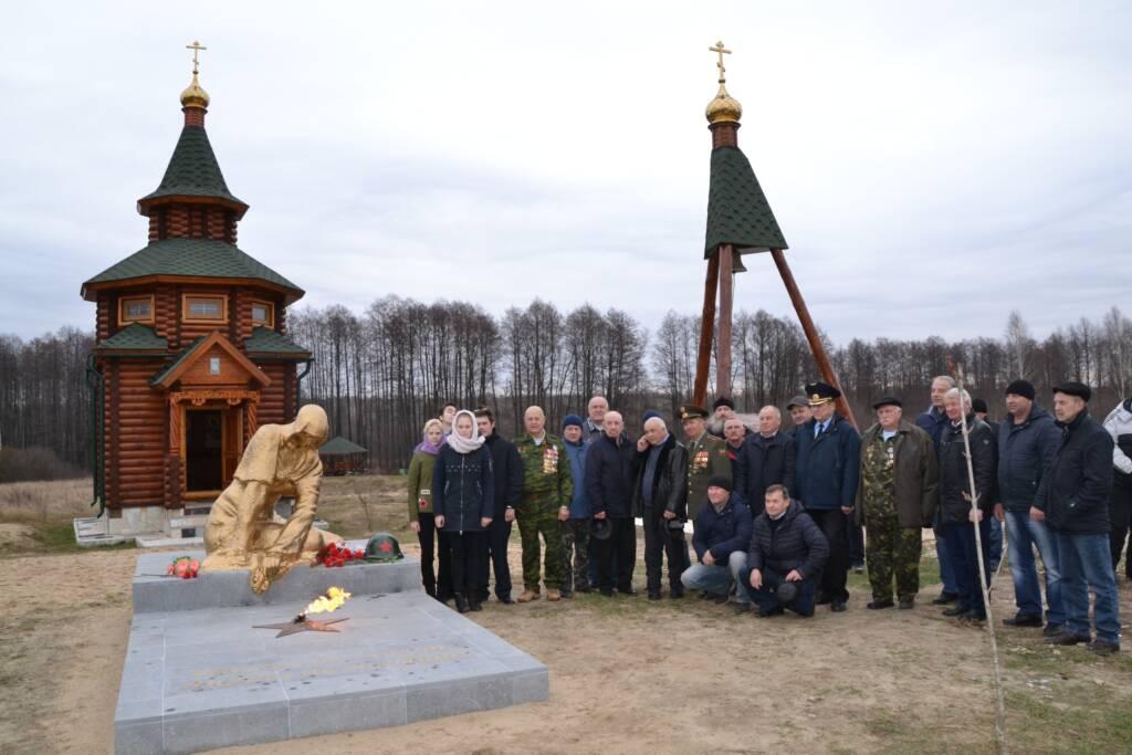 Освящение колокола, поклонного креста в поселке Кустарёвка Сасовского района