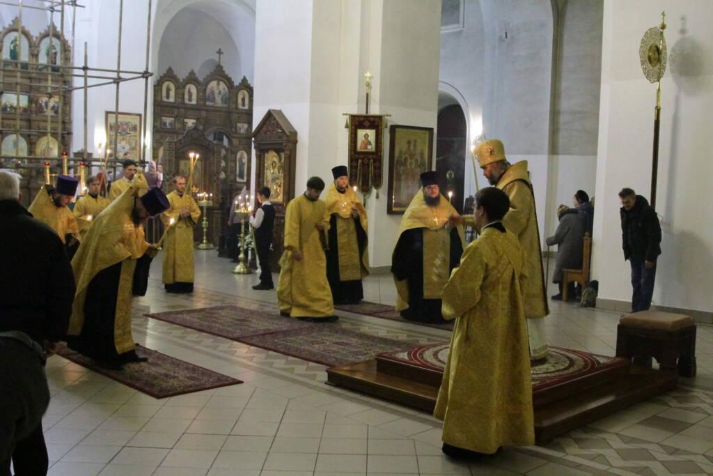 Всенощное бдение в канун Недели 23-й по Пятидесятнице в Вознесенском кафедральном соборе г. Касимова.
