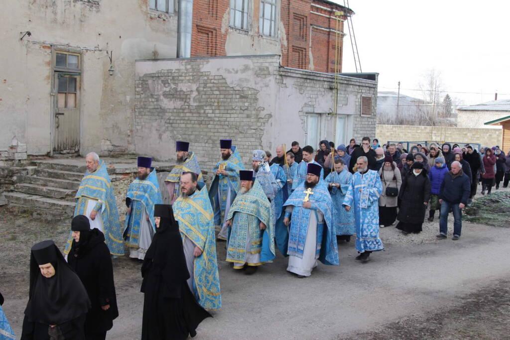 Престольный праздник в Милостиво-Богородицкой обители