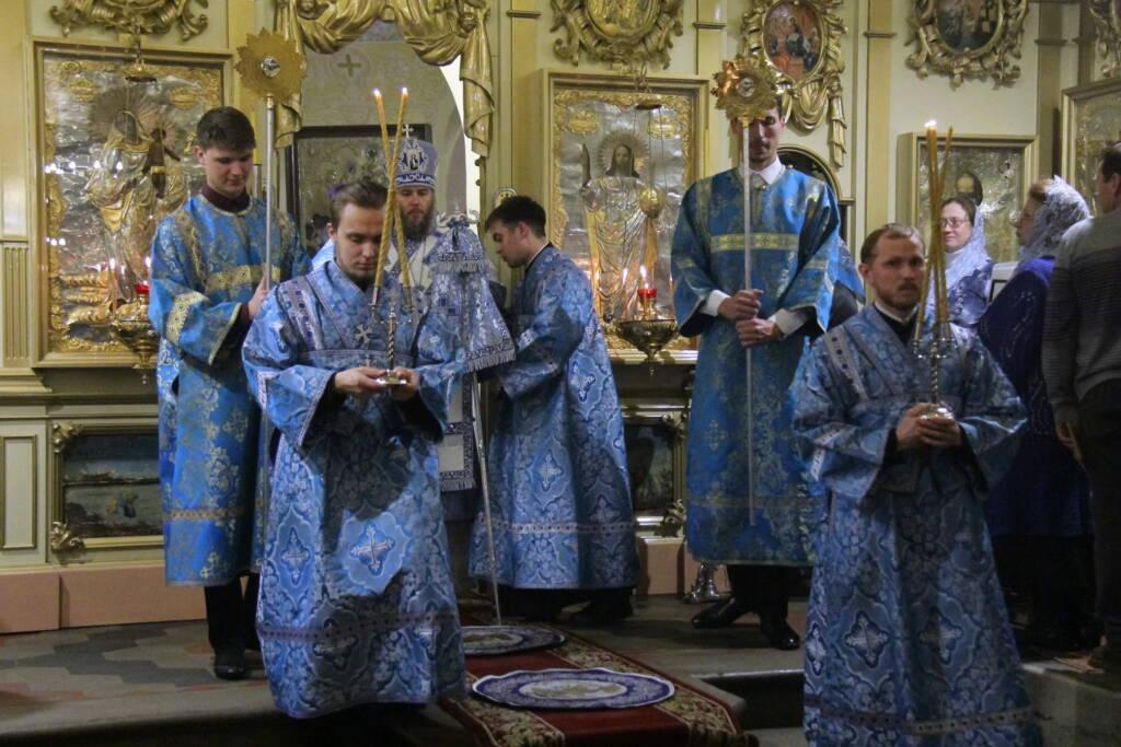 Всенощное бдение в канун дня памяти Казанской иконы Божией Матери в Никольском храме города Касимова