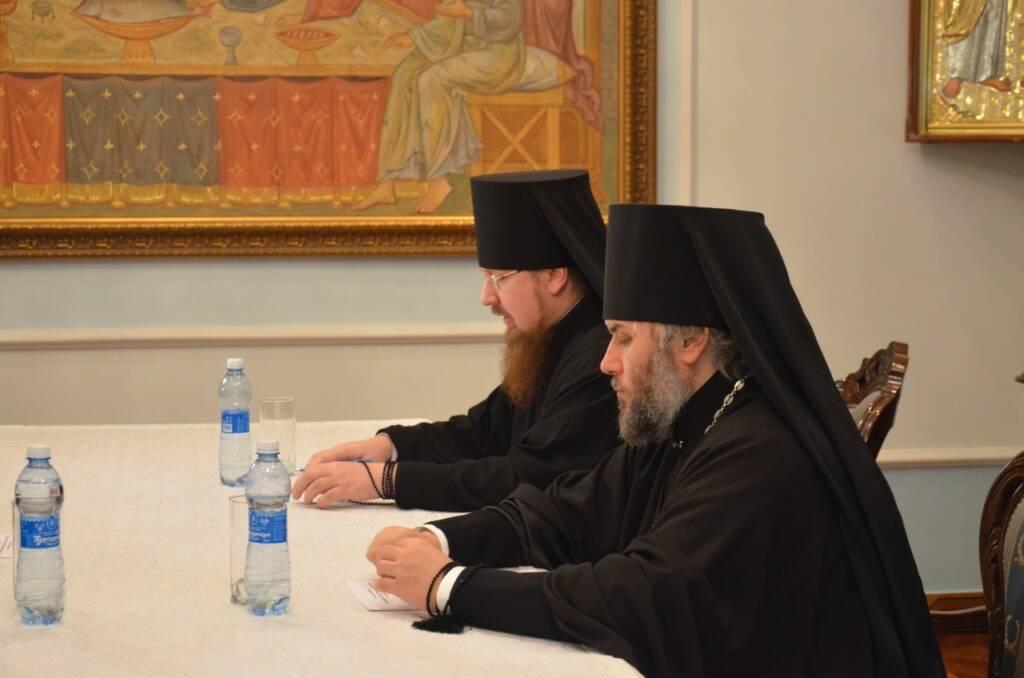 Преосвященный епископ Василий принял участие в последнем в уходящем году заседании Архиерейского совета Рязанской митрополии.