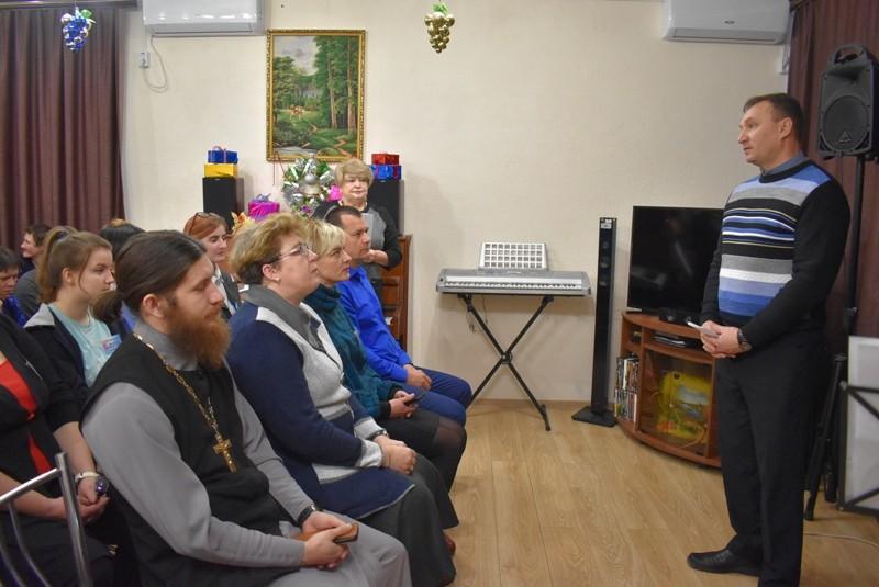 В Елатомском психоневрологическом интернате состоялось открытие зимней смены волонтерского лагеря «Добрые сердца».