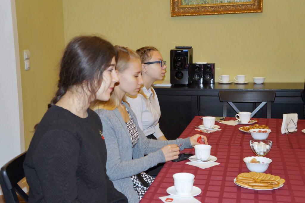 Встреча епископа Василия с будущими медиками
