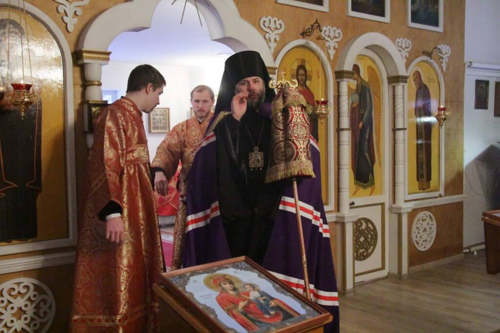 Божественная литургия в Архангельском храме р.п. Ермишь на 150-летие со дня рождения священномученика Илии Громогласова.