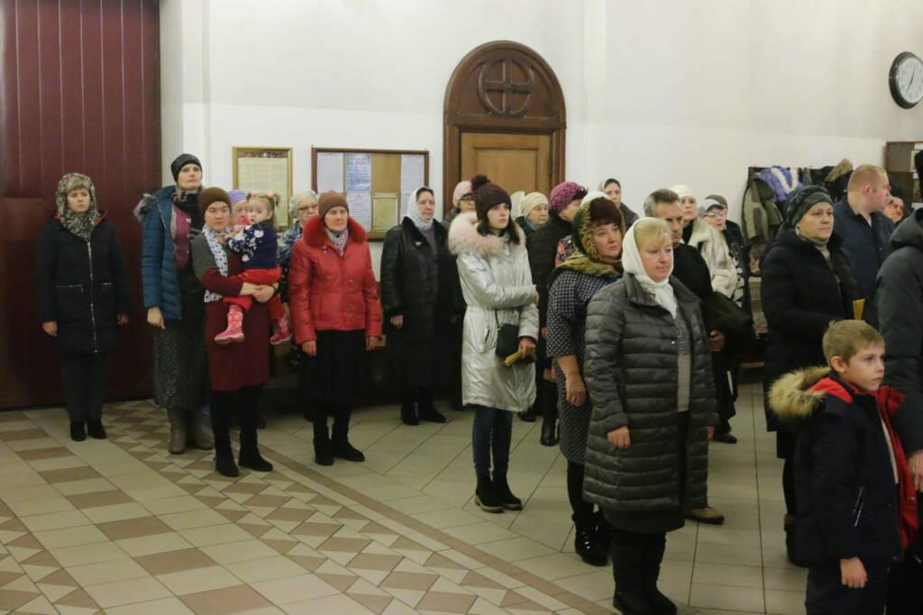 Всенощное бдение в канун дня памяти святого мученика Вонифатия и общегородской молебен на новолетие в Вознесенском кафедральном соборе