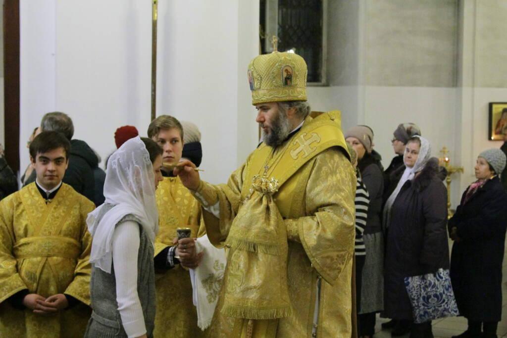 Всенощное бдение в канун дня памяти святителя Николая, архиепископа Мир Ликийских чудотворца в Вознесенском кафедральном соборе г. Касимова.