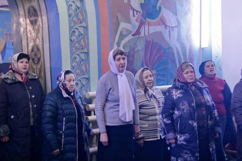 Божественная литургия в храме Всех Святых рабочего поселка Елатьма в Неделю 24-ю по Пятидесятнице.