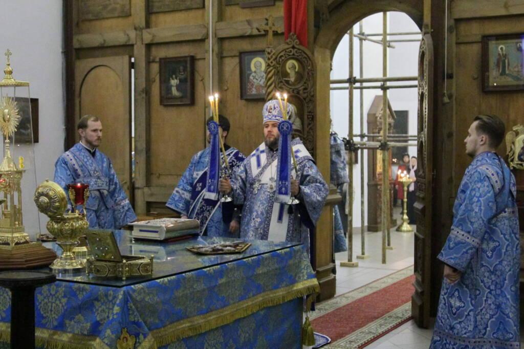 Всенощное бдение в канун праздника Введение во храм Пресвятой Богородицы в Вознесенском кафедральном соборе г. Касимова.