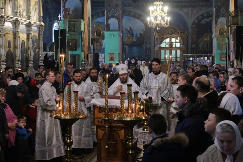 Божественная литургия в Неделю 32-ю по Пятидесятнице в Троицком храме рабочего поселка Тума Клепиковского района