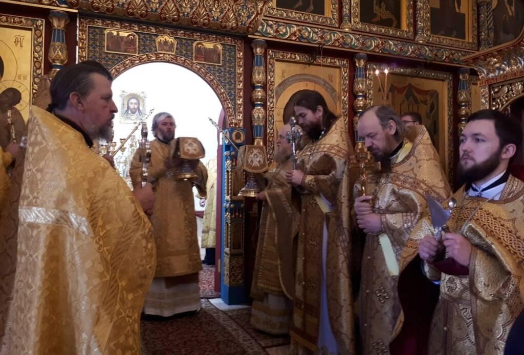 Преосвященный епископ Василий совершил Божественную литургию в Николо-Ямском храме г. Рязани по случаю 100-летия со дня преставления блаженной Любови Рязанской
