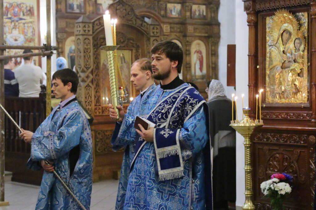 Всенощное бдение в канун праздника Сретения Господня в Вознесенском кафедральном соборе