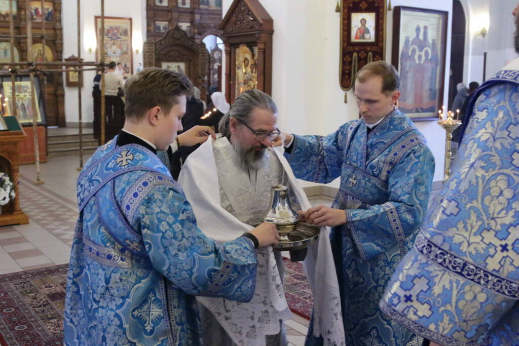 Божественная литургия в праздник Сретения Господня в Вознесенском кафедральном соборе
