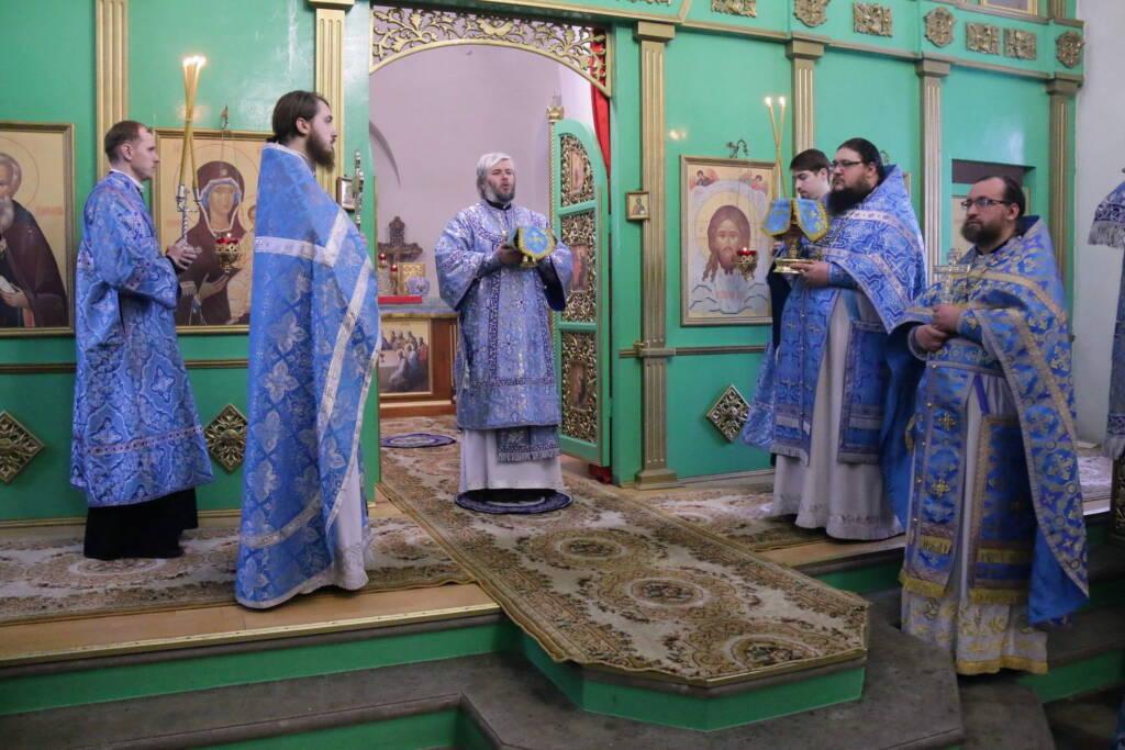 Божественная литургия в день памяти иконы Божией Матери ''Взыскание погибших'' в Троицком храме г. Касимова