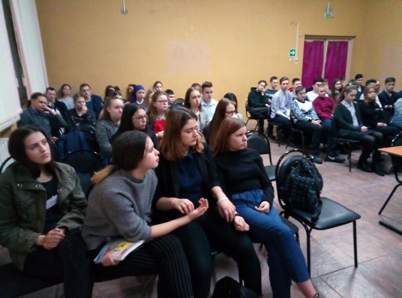 Встреча со старшеклассниками в средней школы поселка Крутоярский Касимовского района