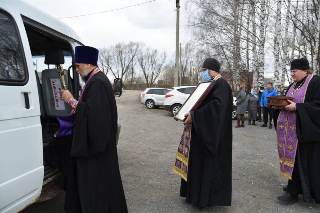 Вокруг рабочего поселка Шилово был совершен автомобильный крестный ход