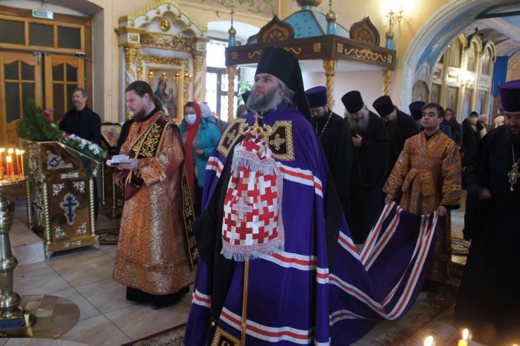Божественная литургия в среду Светлой Седмицы в Казанском соборе города  Сасово