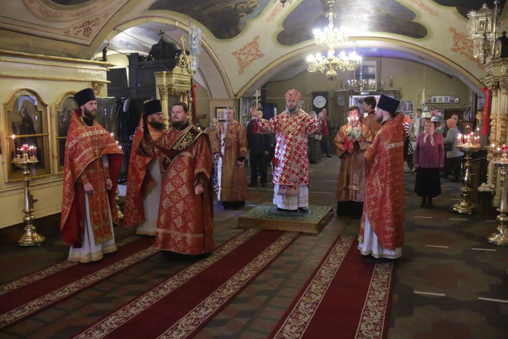 Божественная литургия в субботу Светлой седмицы в Никольском храме города Касимова