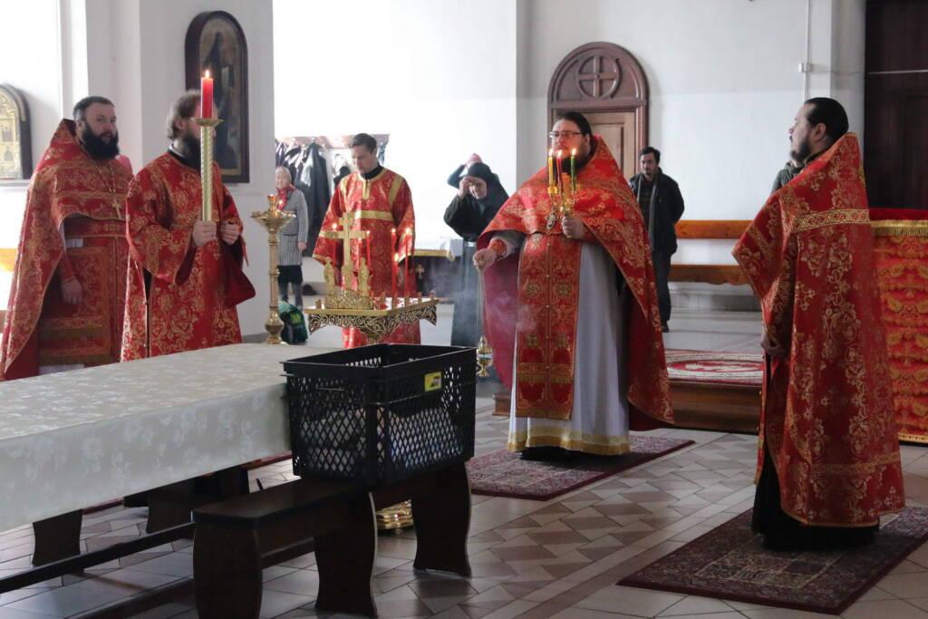 Божественная литургия на Радоницу, поминовение усопших в Вознесенском кафедральном соборе городе Касимова