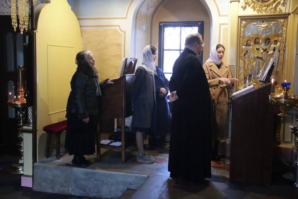 Божественная литургия в Никольском храме г. Касимова в день воспоминания Воскрешения праведного Лазаря
