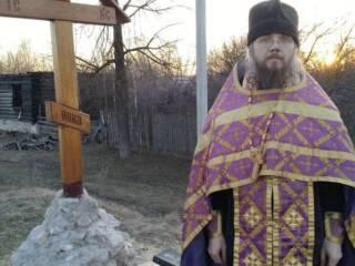 Молебны у поклонных Крестов совершены в Кадоме