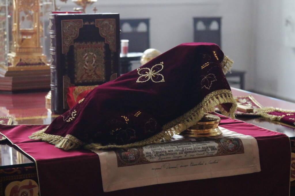 Божественная литургия и благодарственный молебен в годовщину 75-летия Победы в Великой Отечественной войне в Вознесенском кафедральном соборе г. Касимова
