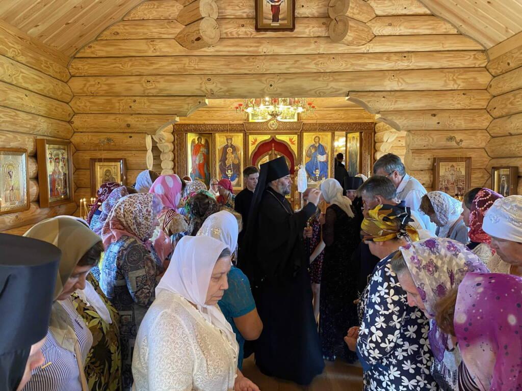 Великое освящение храма в честь Новомучеников и Исповедников Церкви Русской близ деревни Большое Ляхово Ермишинского района