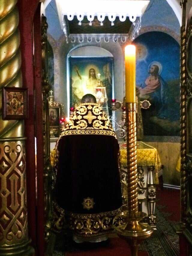 Ночное богослужение в память святых Царственных страстотерпцев в Спасском храме села Борки Шиловского района