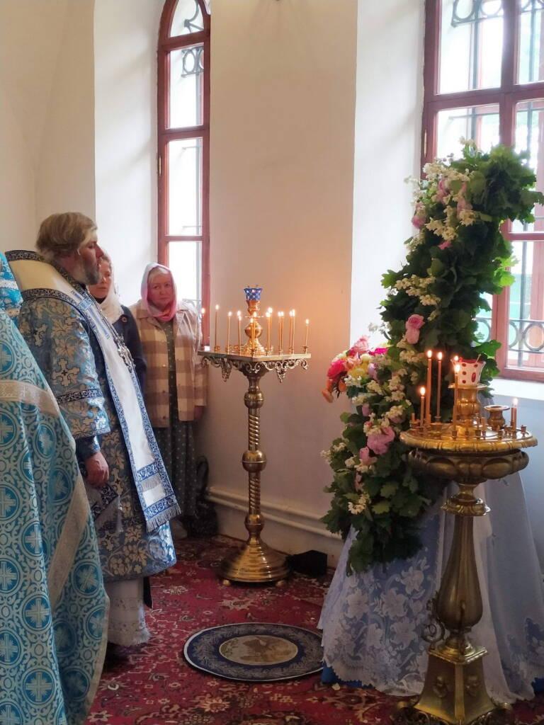 День памяти Боголюбской иконы Божией Матери в Крестовоздвиженской Полунинской мужской монашеской общине села Красный Холм