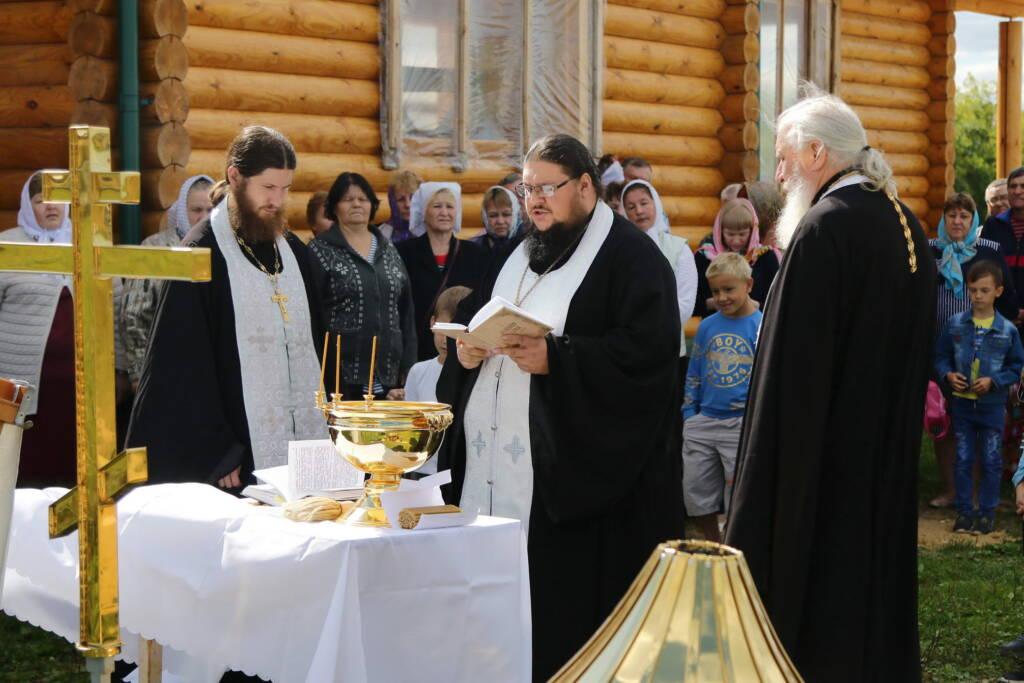 Освящение креста и купола для строящегося Преображенского храма села Кольдюки Касимовского района