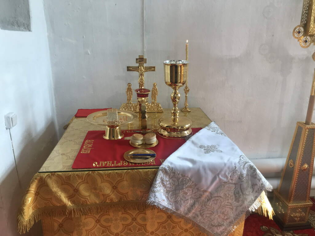 Великое освящение Никольского придела в храме Спаса Нерукотворного села Ерахтур Шиловского района