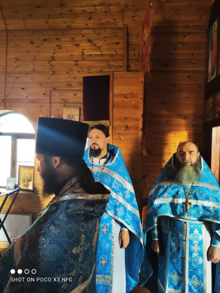 Соборное богослужение духовенства Елатомского благочиния на престольный праздник   храма Иверской иконы Божией Матери села Щербатовка