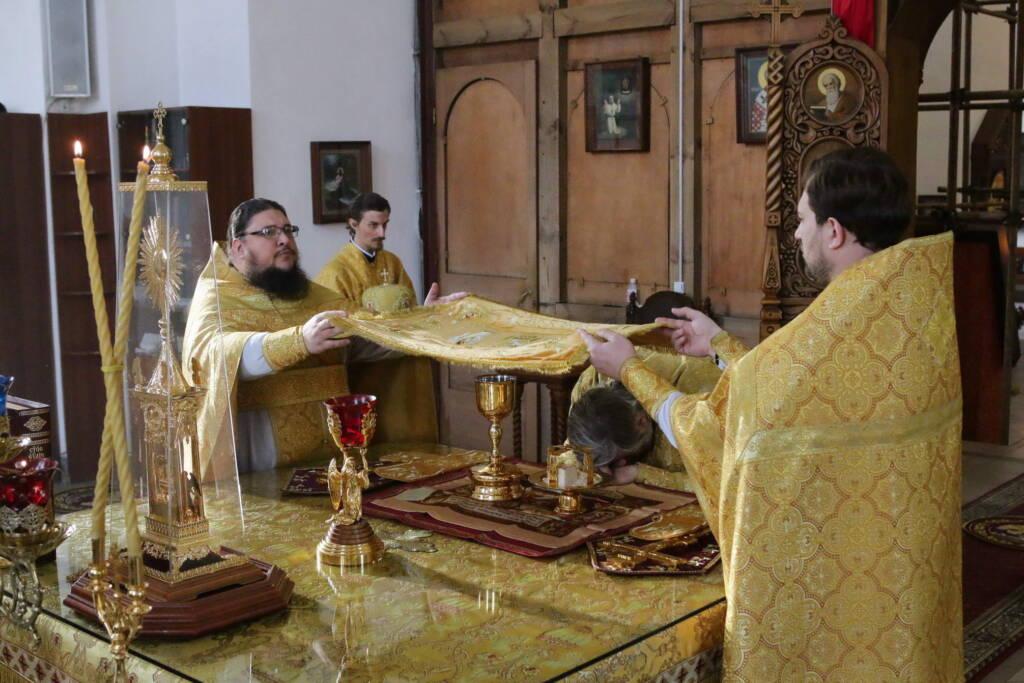 Божественная литургия в Неделю 18-ю по Пятидесятнице в Вознесенском кафедральном соборе города Касимова
