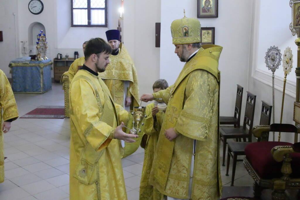 Божественная литургия в Неделю 21-ю по Пятидесятнице в Вознесенском кафедральном соборе города Касимова