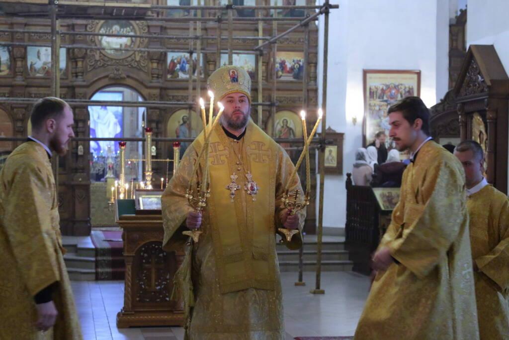Божественная литургия в Неделю 25-ю по Пятидесятнице в Вознесенском кафедральном соборе города Касимова