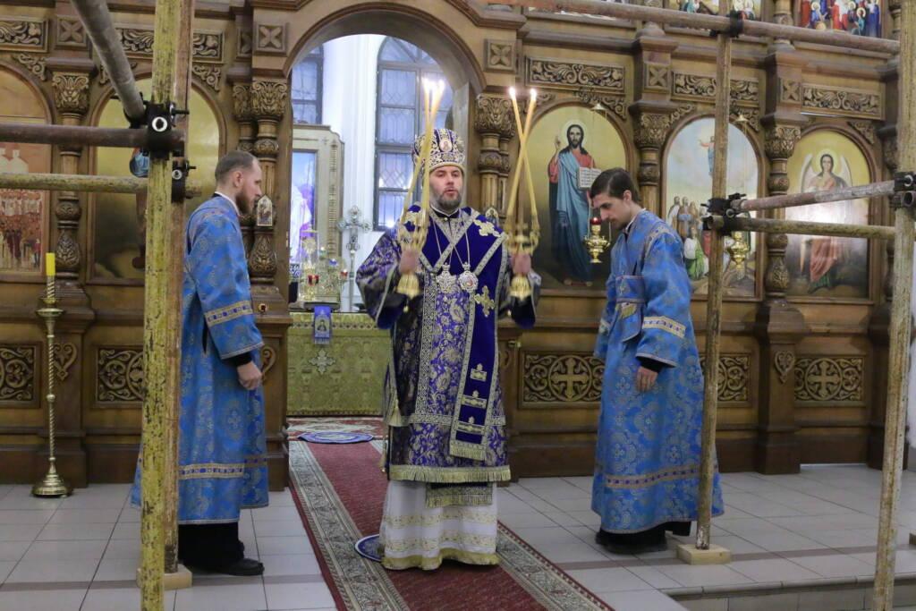 Всенощное бдение в канун праздника Введения во храм Пресвятой Богородицы в Вознесенском кафедральном соборе города Касимова