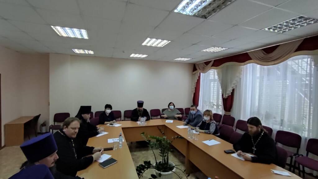 Епископ Василий встретился с главой администрации Шиловского района и руководителями социальной сферы
