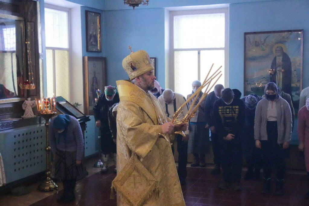 Божественная Литургия в Неделю 36-ю по Пятидесятнице в Успенском храме села Мосолово Шиловского района