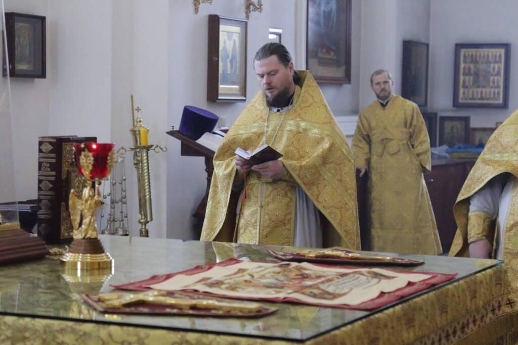 Божественная Литургия в Неделю 37-ю по Пятидесятнице в Вознесенском Кафедральном соборе города Касимова