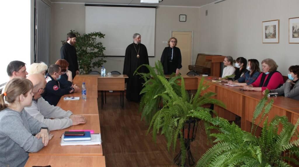 Преосвященный епископ Василий встретился с коллективом педагогического колледжа г. Касимова