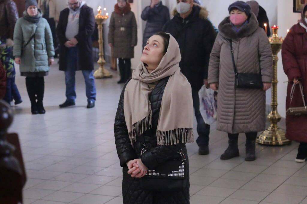 Божественная Литургия в Вознесенском Кафедральном соборе города  Касимова в Воспоминание Адамова изгнания