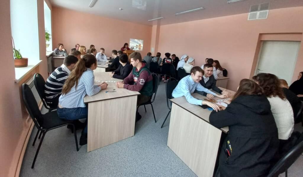 В УОМП Касимовского района прошла интеллектуальная игра для обучающихся «Полководцы России»