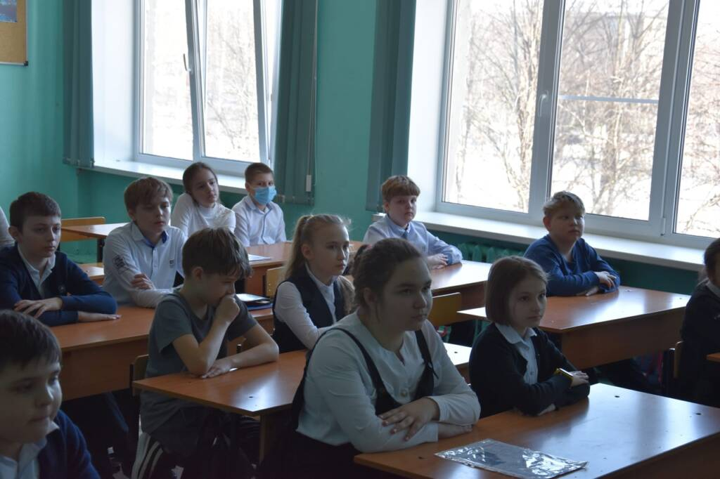 Иерей Александр Веденеев посетил СОШ №6 города Сасово