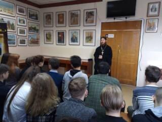 12.04.21_В СОШ №1 г.Касимова побывал председатель молодежного отдела иерей Димитрий Уляшин
