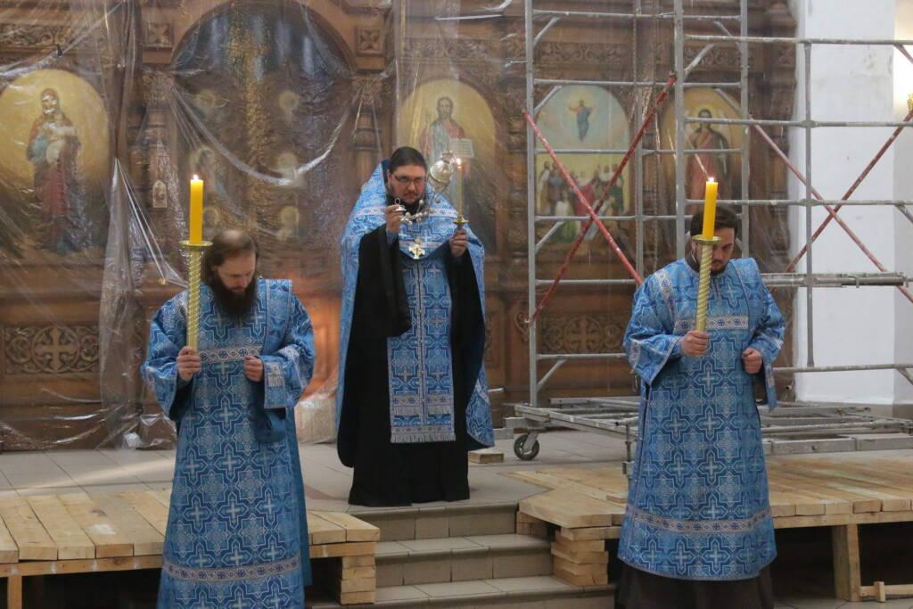 Утреня с чтением акафиста Пресвятой Богородице в Вознесенском Кафедральном соборе города Касимова
