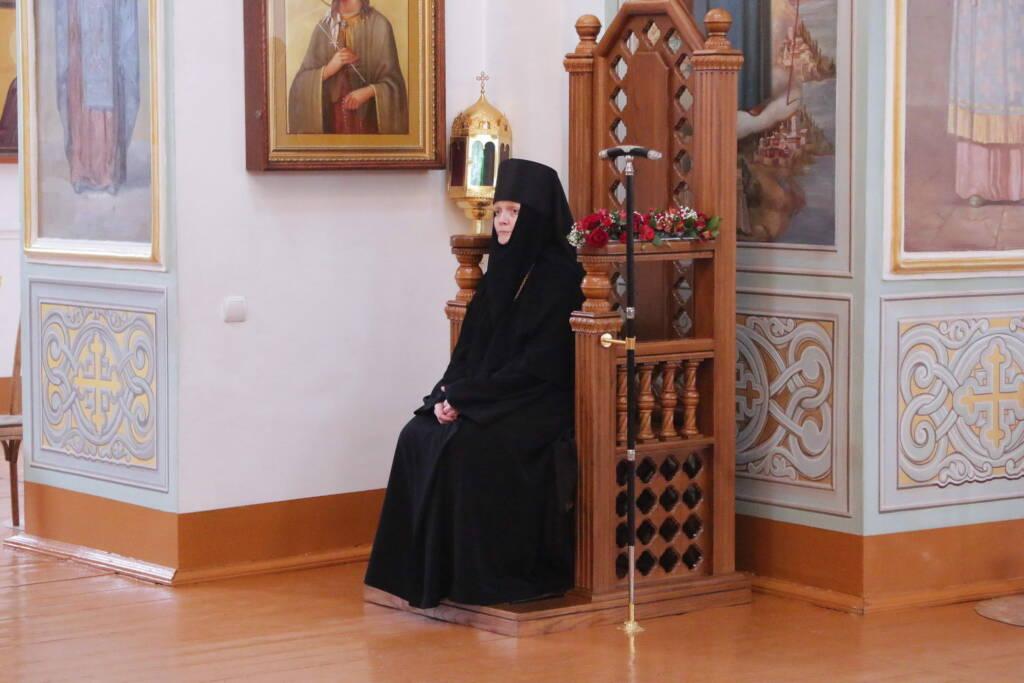 Божественная Литургия во вторник Светлой Седмицы в Милостиво-Богородицком женском монастыре поселка Кадома
